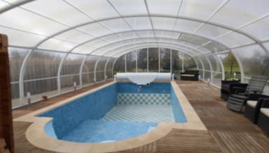 Fermette avec piscine couverte